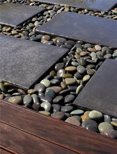 Gravelstones